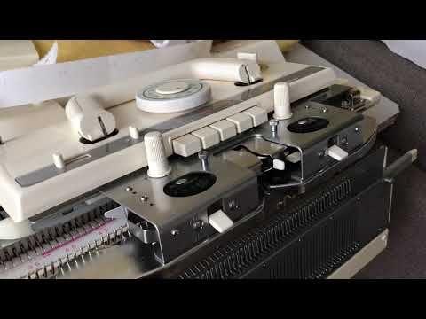 Чистка-смазка и уход передней игольницы,и ажурной каретки.Студия машинного вязания . - YouTube