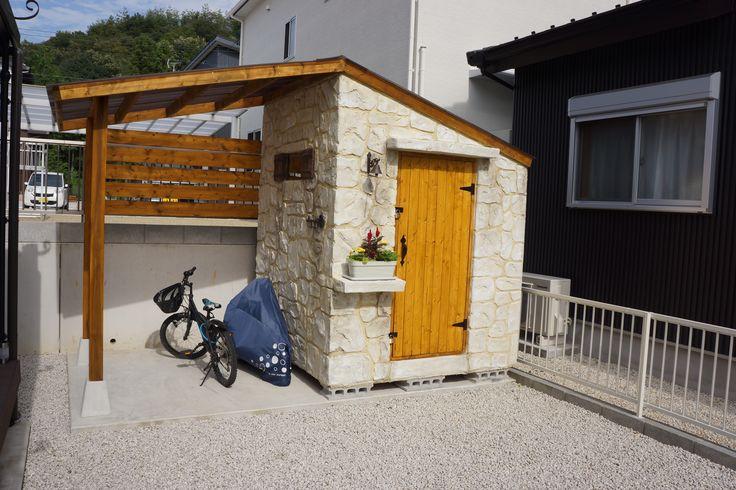 岐阜県O様邸外構工事完了しました。 今回はモルタル造形を多く使用した洋風デザインです。 玄関側はクローズ外構 駐車スペース側はオープン外構です。 今回門塀・物置をモルタル造形にて施工致しました。 門塀は崩れた壁から石やレ …