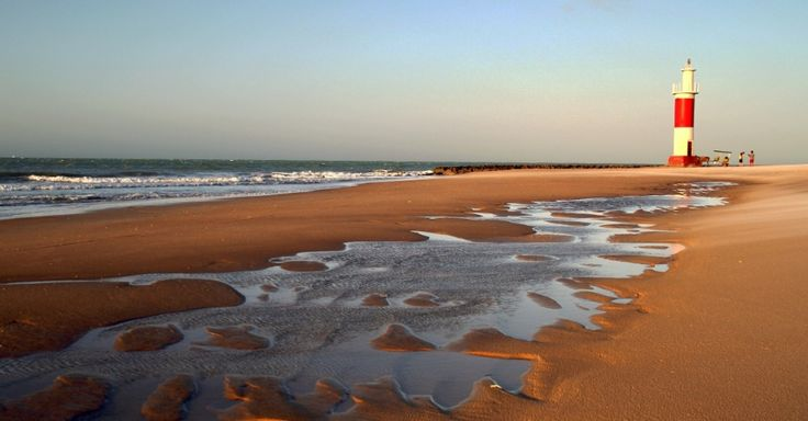 Pôr do sol na Praia do Farol pode ser visto durante passeio de charrete, em Galinhos, um dos destinos rústicos do Rio Grande do Norte