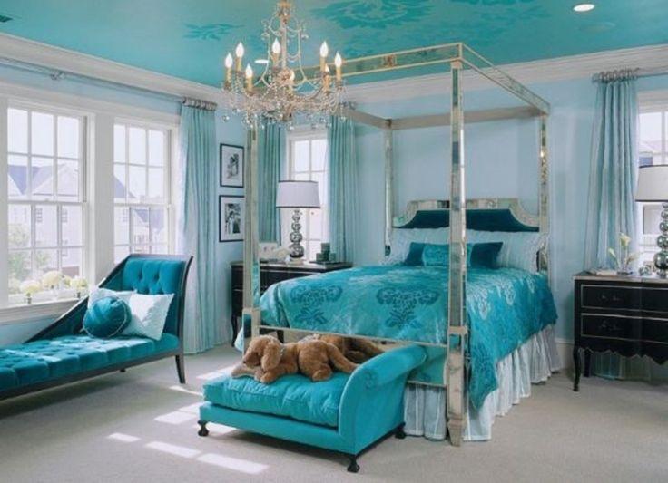A Herança Da Tiffany U0026 Co. Os Diamantes, O Glamour, O Legado E Música  é  Ricamente Refletido Na Assinatura Azul Tiffany Que Envolve Cada Joias  Criada. Part 74