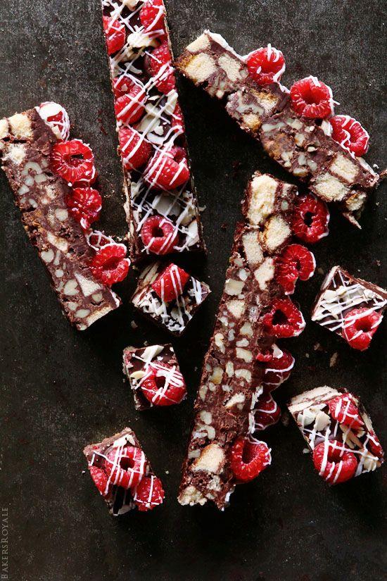 Walnut and Chocolate Cake Bar by bakersroyale: Quick and no bake #Cake #Bar #Walnut #Chocolate