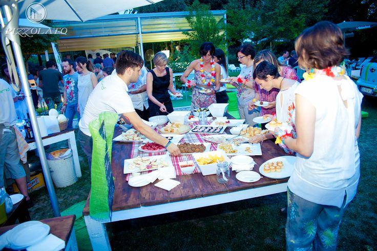 L'apericena dalle 20:00 alle 22.30: open #food #buffet e open #wine #bar!! Durante la serata la possibilità di degustare gratuitamente i vini della Cantina #Pizzolato e assicurarsi il gadget della #Bio #REvolution.