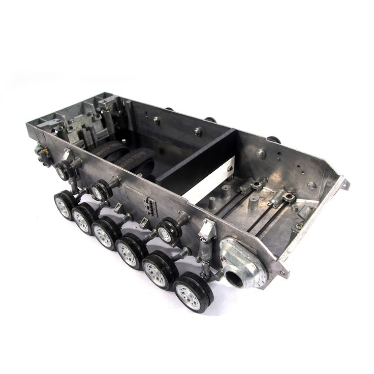 236.55$  Buy now - http://alimeh.worldwells.pw/go.php?t=631812261 - Mato Metal robot tank chassis kit with torsion bar suspension & road wheels for 1:16 rc Panzer III Stug III tank 236.55$