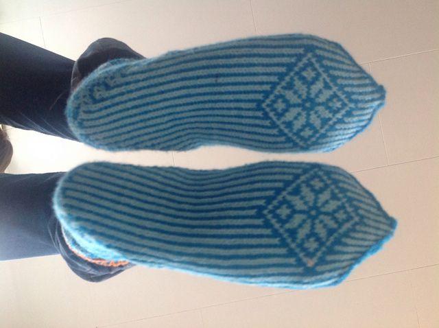 Ravelry: liwes' Kari Traa rose-socks