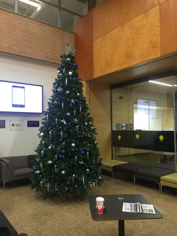 The Christmas countdown has begun at University of Westminster as well #proudromaniangirl #studyabroad #studyinlondon #university #westminsteruni #westminstertipster #chaseyourdreams #daretoaimhigher #theplacetobe #unilife #highlevel #education #explore #experience #social #prandadvertising #major #blissfull #blessed #traveltheworld #yourchance #dontmissout