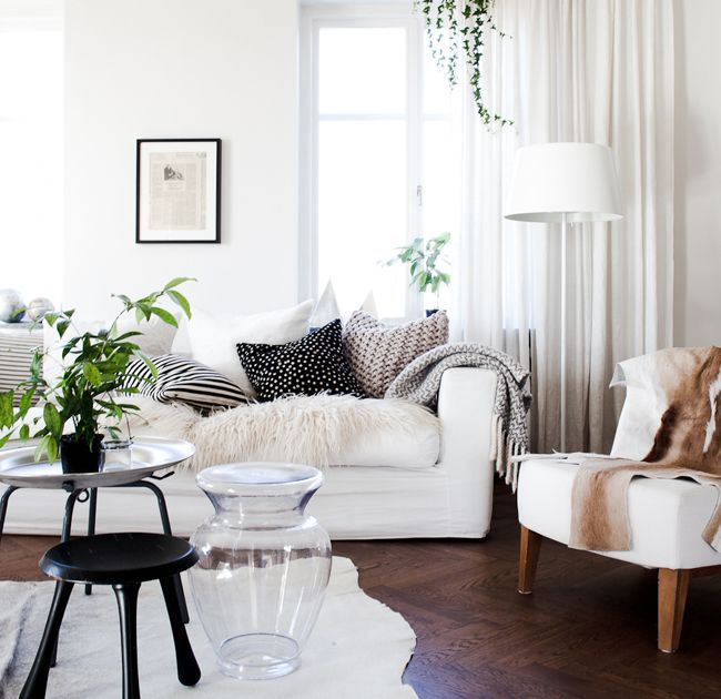 great choice of fabrics: Interior Design, Decor, Livingrooms, Idea, Living Rooms, Inspiration, Interiors, White