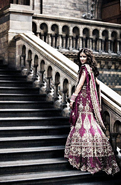 A good idea for a wedding picture: have the bride stand on steps. Beautiful location as well.