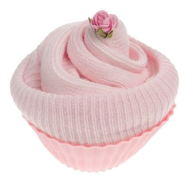 This practical baby gift is a sweet way of sending baby wishes.  Two pairs of soft cotton baby socks (size 0 - 0-6 months) are wrapped and presented in a reusable silicone cupcake case.  Please remember that each of our cupcakes in our Pick and Mix range requires a box.