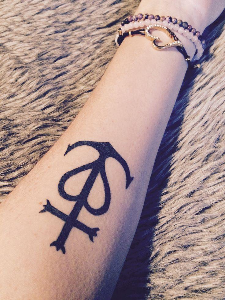 la croix de camargue tattoo tattoos favories pinterest camargue et tatouages. Black Bedroom Furniture Sets. Home Design Ideas
