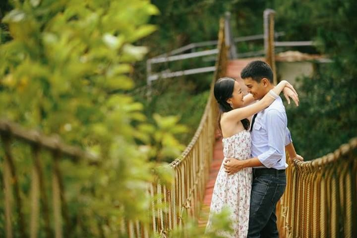 A bridge between two hearts. This Pre-nup shoot was held in Sierra Madre Resort, Tanay Rizal. Photography by Dominic Barrios Photography. #prenup #bridge #wedding #photography #love #kasal [www.kasal.com]
