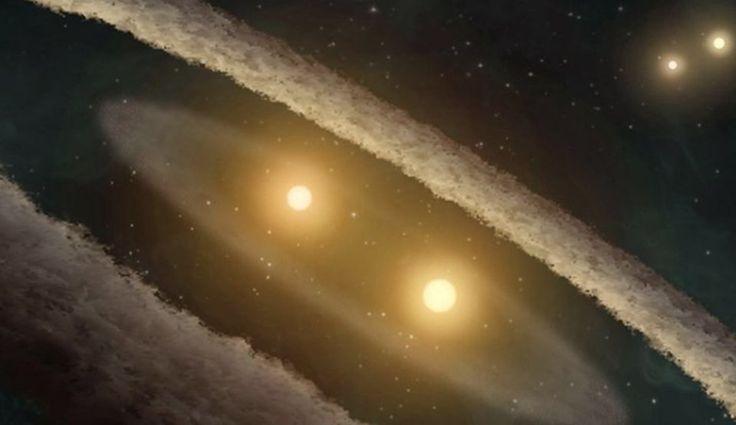 În urma studiului care a inclus analiza unui nor gigantic molecular care este umplut cu stele recente din constelaţiaPerseusşi un model matematic ce poate explica doar stelele formate împreună,doi cercetători din cadrul UC Berkeley şi Harvard-Smithsonian Astrophysical Observatory au concluzionat că toate stele precum Soarele s-au născut cu un companion.   #disparitia dinozaurilor #frate geamăn #Soarele #stele