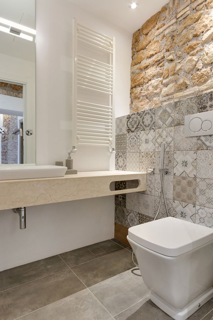 Via Sistina Apartment bathroom mosaic on wall
