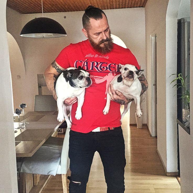 ★CARTEL ORIGINAL- POR VIDA Red★ 100% organic ring-spun combed cotton, Fitted. Worldwide shipping 🌍! CRTL stuff (CEO Hugo on the left, COO Saxi on the right) #tattoo #streetwearbrand #rebel #ink #porvida #carteloriginal #tshirt #xtreme #latino #loveink #respect #tattoostyle #tattoobrand #inkstyle #lovetattoos #gang #wannabe #inked #hardcore #premiumquality #premiumbrand #urbanclothing #tetovanie #tattooed #tattoolife #instatattoo #frenchie #frenchbulldog #frenchies
