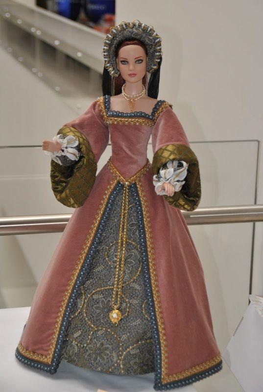 Paris Fashion Doll Festival 2011 Contest- this doll won 3rd prize                                                                                                                                                      Plus