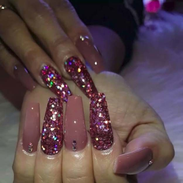 Nail Art Ideas For Coffin Nails - Fusha Sparkles - Easy, Step-By-Step Design For Coffin Nails, Including Grey, Matte Black, And Great Bling For Instagram Ideas. Includes Everything From Kylie Jenner Ideas To Nailart For Short Nails, Long Nails, And Beautiful Shape And Colour Like Pink. Polish For Jade, Glitter, And Even Negative Space - https://www.thegoddess.com/nail-ideas-coffin-nails