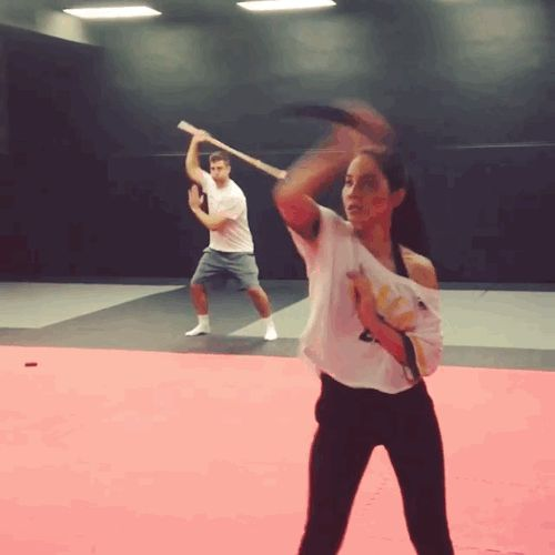 Olivia Munn being badass whilst training for her part as Psylocke in X:Men...