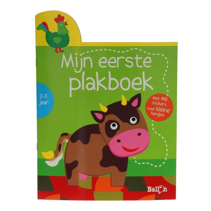 Leer je eerste boerderijdieren kennen met dit vrolijke plakboek. In dit boek vind je meer dan 45 gemakkelijk hanteerbare stickers en 16 dierenplaten. Al knutselend leer je de boerderijdieren en geluiden beter kennen en oefen je de fijne motorische vaardigheden.Afmeting: plakboek 27 x 20 cm - Mijn Eerste Plakboek - Koe