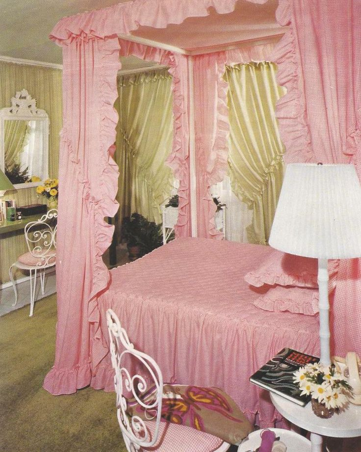 Pink Gingham Bedroom Love Those Priscilla Curtains