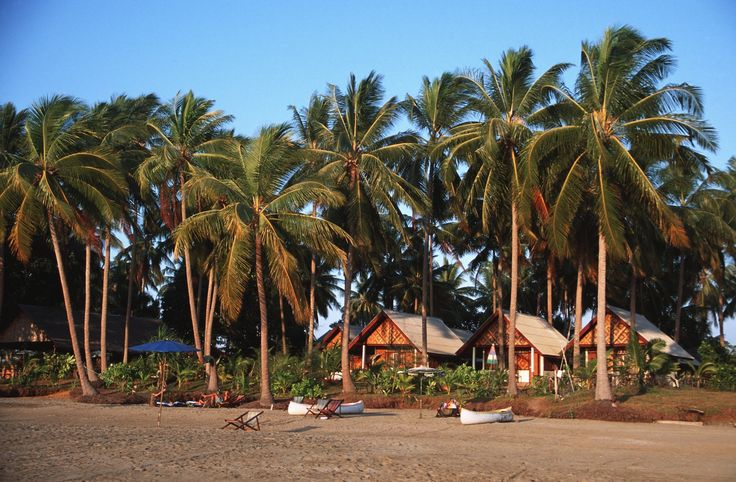 Palm trees sway on Koh Sukorn Ⓒ Ben Davies / Getty Images)