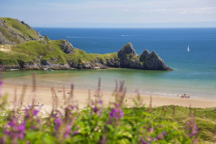 Three Cliffs Bay, Swansea, South Wales, UK - Rex Features