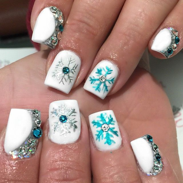 Christmas Nail Art Ideas: 30 Most Cute Christmas Nail Art Designs