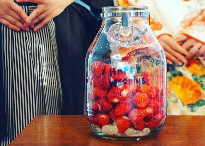 披露宴のテーブルラウンドの新定番*ゲスト参加型イベント『果実酒作り』のやり方How To**のトップ画像