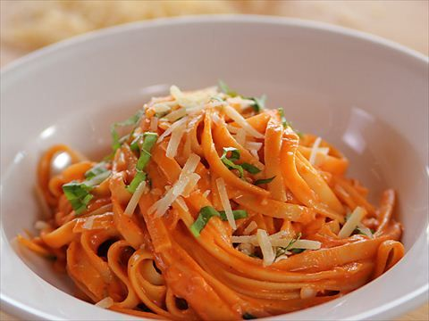 Pasta with Tomato Cream Sauce : Ree creates a comforting dish of  fettuccine with a creamy tomato sauce.