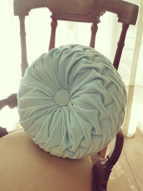 Smocked round pillow pattern.
