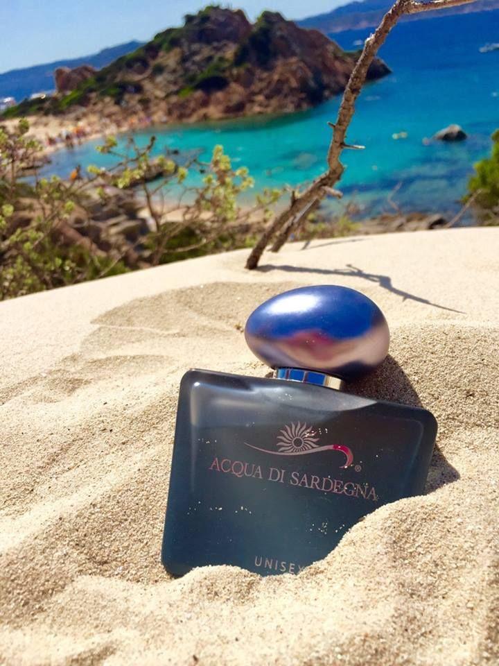 Agrumata, giovane, mediterranea: Acqua di Sardegna Unisex ricorda le giornate di sole della Sardegna...