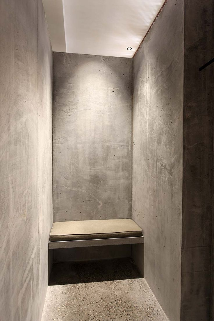 Ciguë - Isabel Marant Hong Kong Ruled, ordered, anti-chaos, protected, rigid, strong heavy solid material