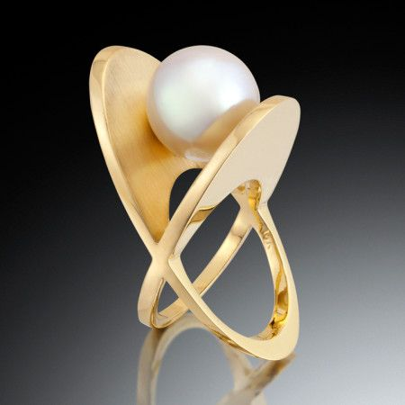 xox ring with south sea pearl