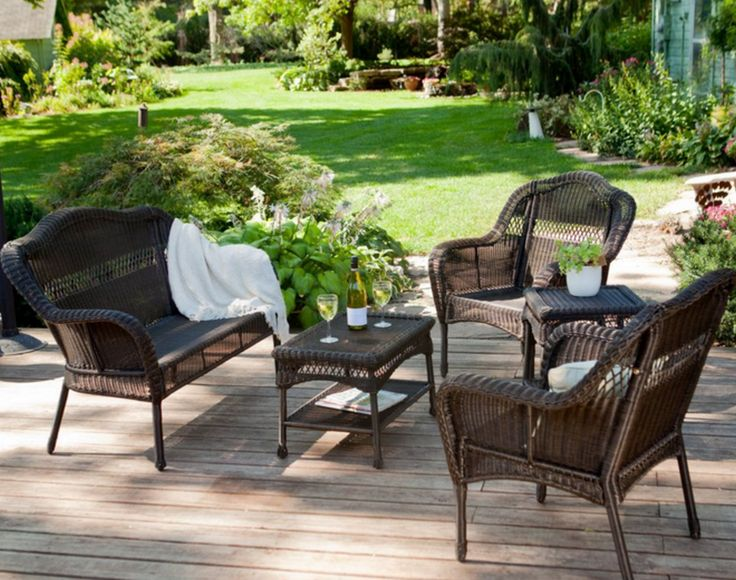 Patio Design Ideas for Relax – Want to have a comfortable patio with a design that looks like designed by a professional designer? Here we provide 7 patio design ideas for relax, ranging from the small terrace in front of the house to the large garden behind the house. Patio designs can be made with a