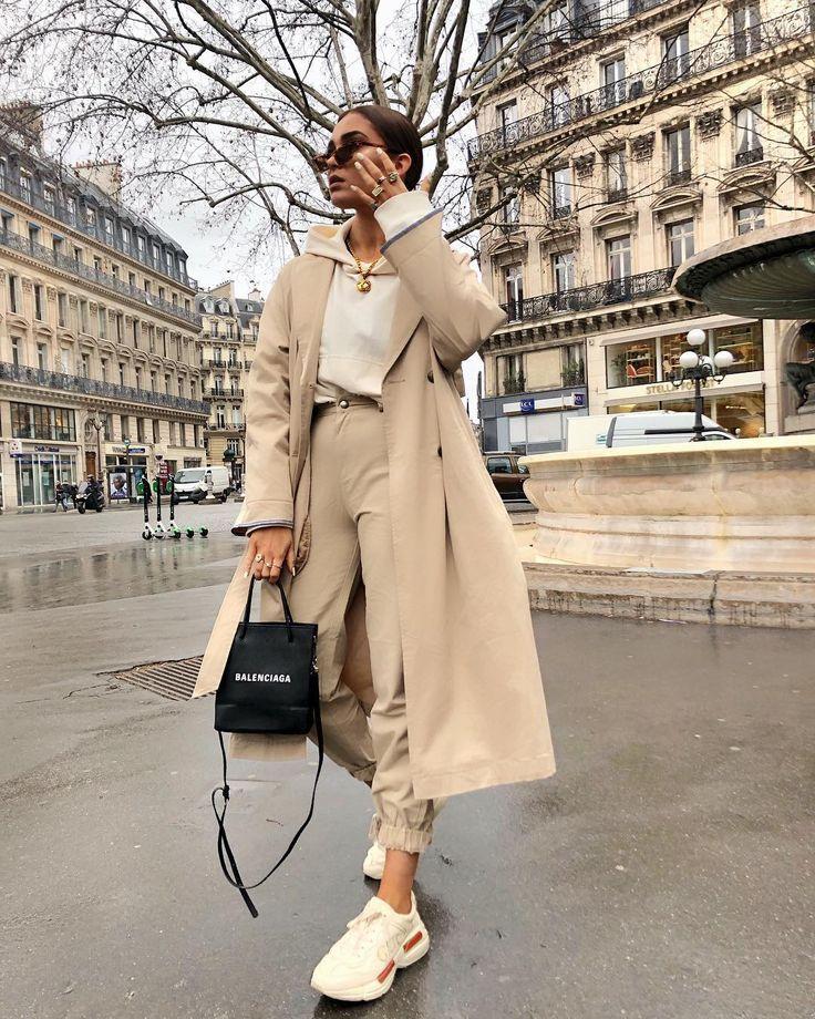 """Alicia Roddy auf Instagram: """"Touchdown in Paris"""" – so glücklich, dass ich endlich Hosen gefunden habe, die zu diesem Graben passen. Sie sind @missyempire, werden in der Geschichte verlinkt, aber der Graben ist… """""""
