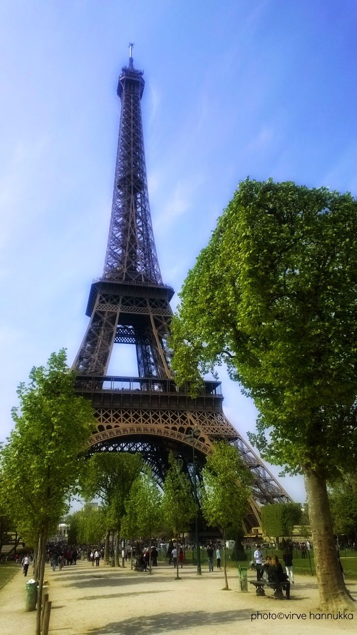 Villasukat matkalaukussa: Pariisin kevät.