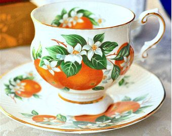 Elizabethan 'Florida Oranges' Footed Teacup and Saucer Fine Bone China England