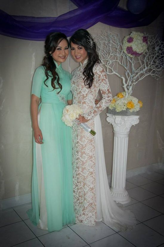 white and beige lace Custom modern Wedding Lace Ao Dai by | http://bestvietnamstylesphotos.blogspot.com