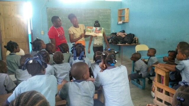 "#ReadingIsFundammental #Haiti #Education ""Dreams grow in classrooms"" #literacy www.fleurdevieonline.org"
