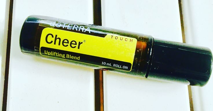 Love this sunshiny fresh Cheer touch! ☀️This blend counteracts negative emotions and promotes feelings of optimism, cheerfulness and happiness  with a fresh, spicy, warm scent.  Love the touch blends as they are so easy to throw in my bag and take with me for the day!