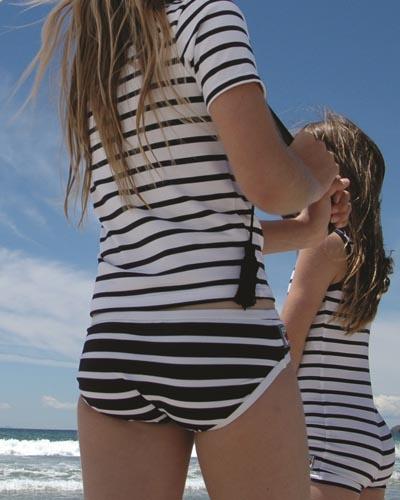 MySafeSkin, specialist in modieuze uv-beschermende kleding :: UV meisjes kleding :: Broeken/shorts :: Gestreepte bikinibroek