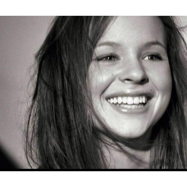 Thora Birch. Pretty genuine smile!