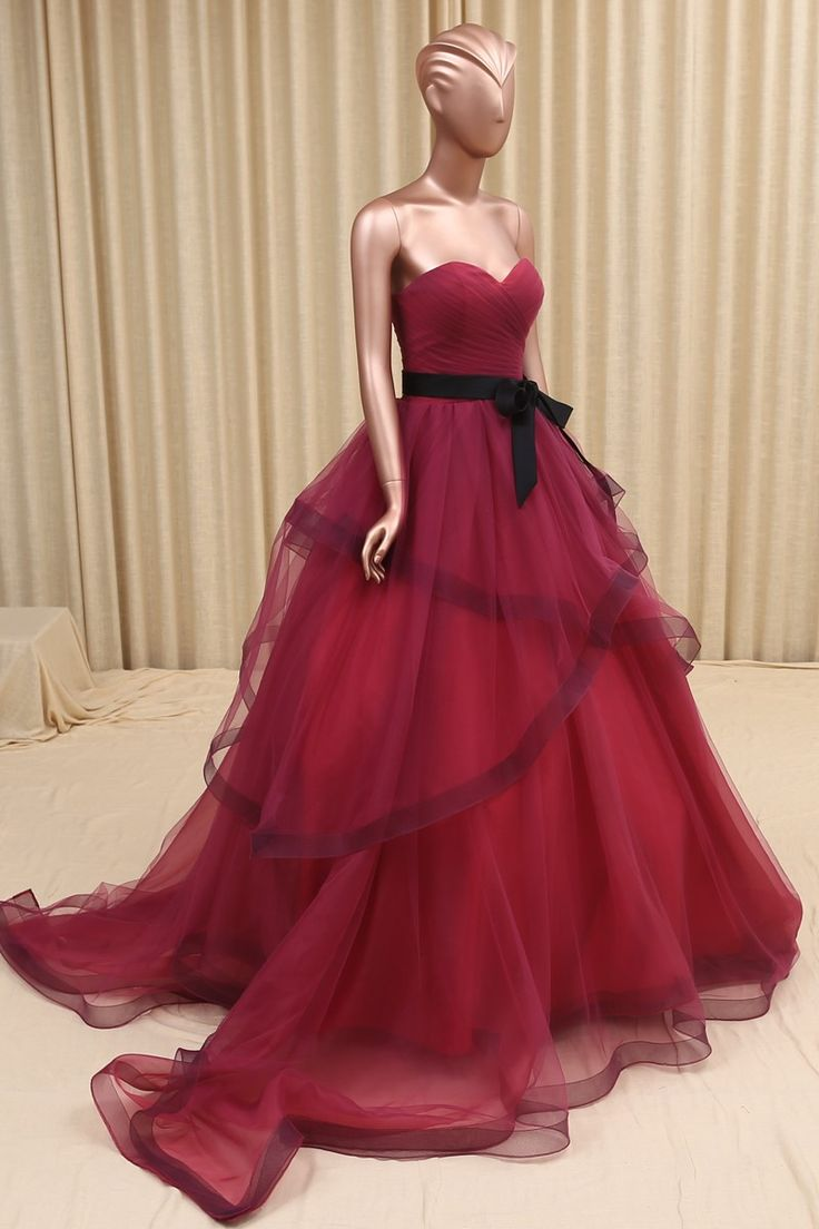 Vintage Gothic Black Burgundy Colorful Wedding Dresses With Color Simple Pleated Sweetheart Organza Non White Bridal Gowns 2016