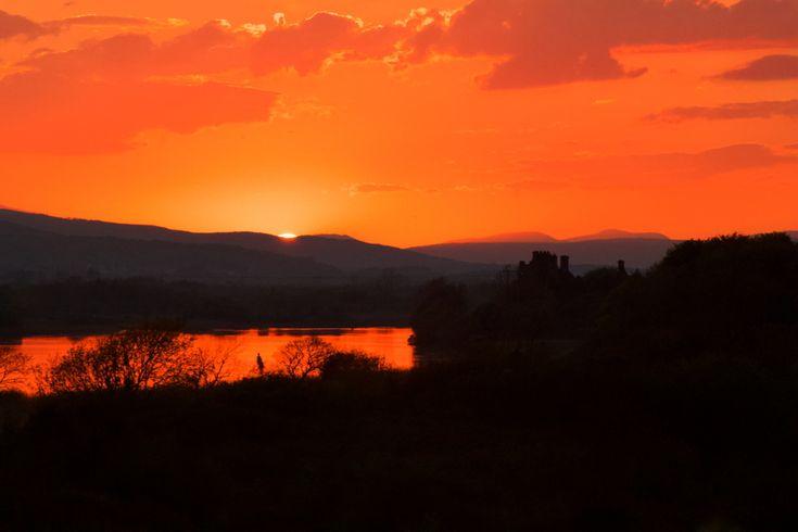 Sunset, River Corrib, Galway, Ireland. #photographs #landscapephotographs #irishphotographs #landscape #daily #dailyphotographs