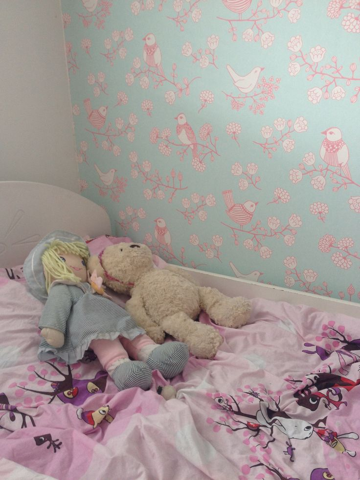 Our girls room makeover. New wallpaper from Majvillan.se. And I love it!