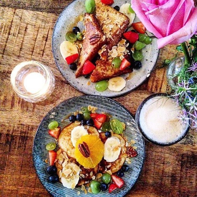 Happy Breakfast @laviniagoodfood French Toast en Banana Pancakes! #happyfood #colorfood #organicfood #healthygoodfood #goedbeginvanjedag #foodie #amsterdamfoodies #kerkstraat #amsterdam #laviniastyle #sundaymorning Photo @happilyhealthyxisau thanks