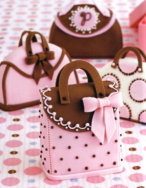 The Lady's Patisserie http://www.tinydeal.com/kitchen-px2eyq9-c-121_885.html  Handbag cakes