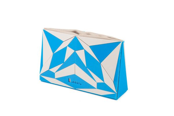 Formas geométricas...numa #clutch!  #white #blue #party #branco #azul #festa VECTORY GC