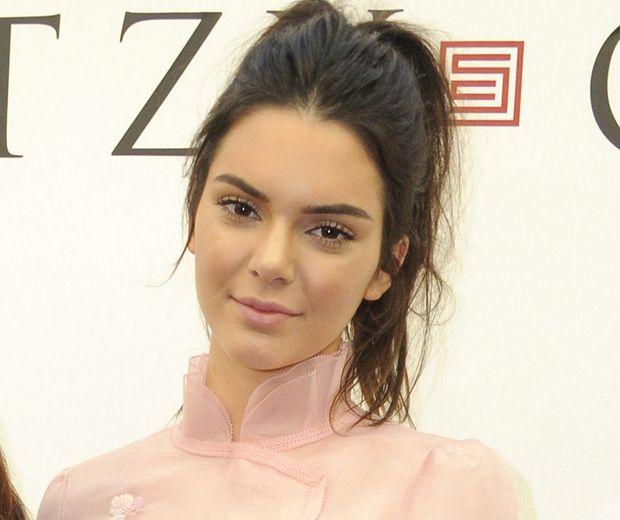 78 Best Kendall Jenner Images On Pinterest: 78+ Ideas About Kendall Jenner Acne On Pinterest