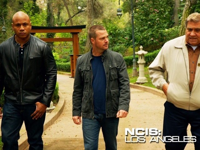 NCIS Los Angles: Mmmmm Chris O Donnell, Favorite Actors, Favorite Tv, Famous People, Nice Tuesdays, Ncis La, Ncis Los Angeles, Beautiful People, The Angles