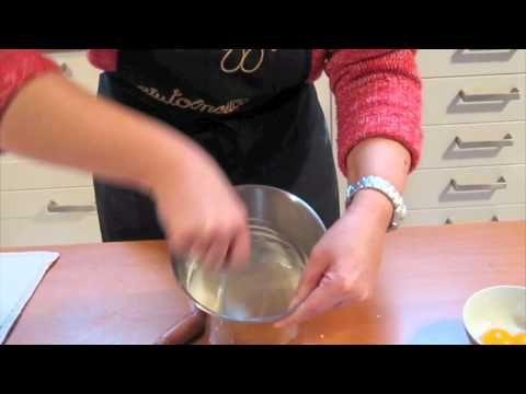 Come si fa la Glassa reale - Corsi in cucina