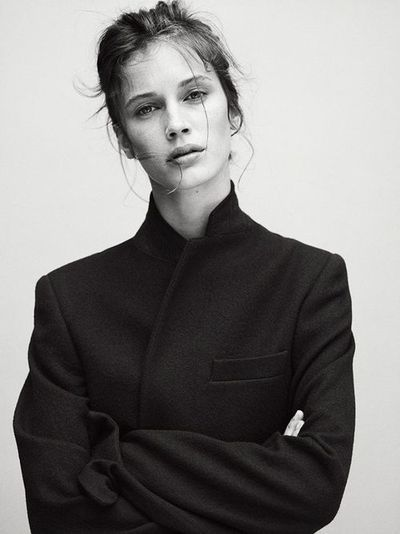 striipped down androgynous chic